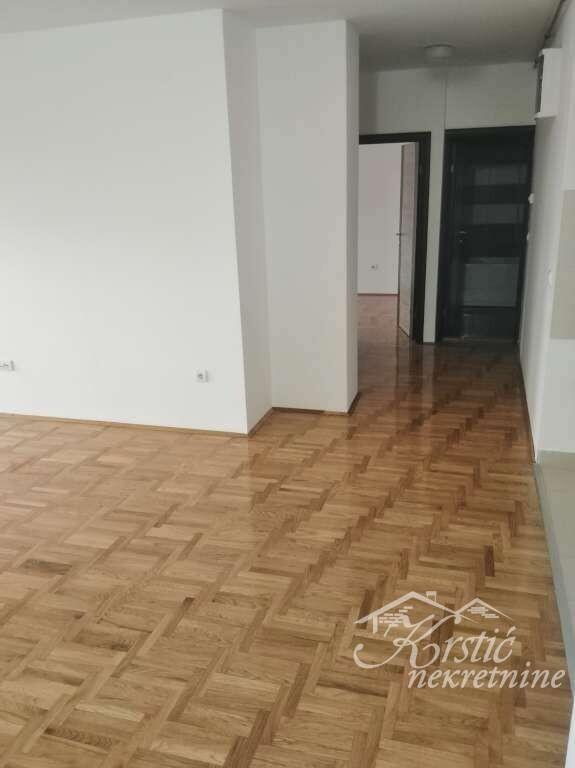 Stan Vašarište 70 m3 ID 8359c